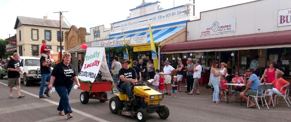 totally-locally-eudunda-in-street-parade-first-time