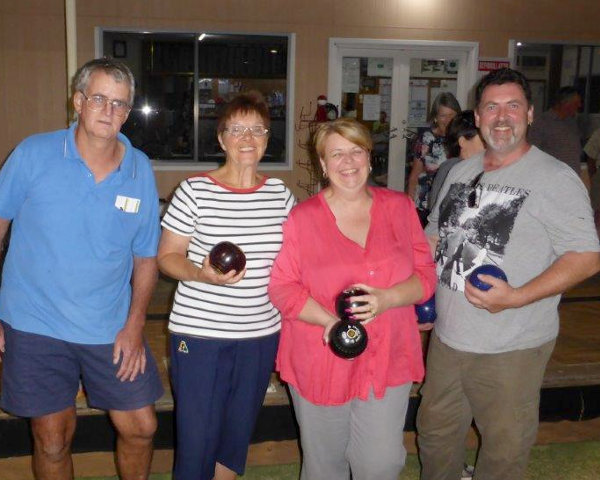 Eudunda Bowls - Bottom 8 winners - Steve Turner, Judy Milde, Michelle Booth, David Booth